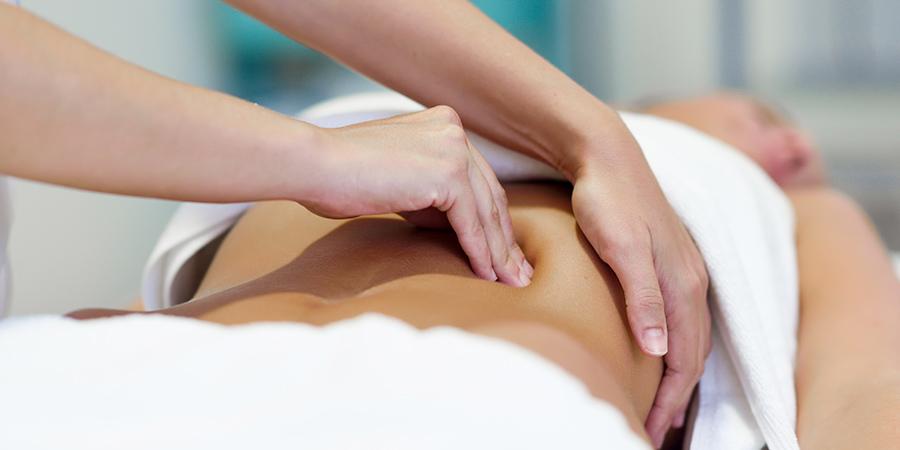 tratamiento-con-fisioterapia-para-la-cifosis